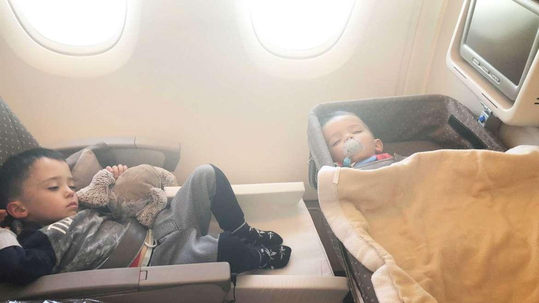 bedbox-nacelle-avion-unemamanquicartonne